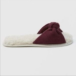 Abercrombie & Fitch Sherpa Slippers